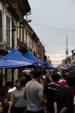 Försök att gå till och med gatamarknaden i Malaysia Arkivfoton