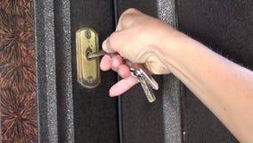Försöka att låsa dörrkuggning upp lager videofilmer