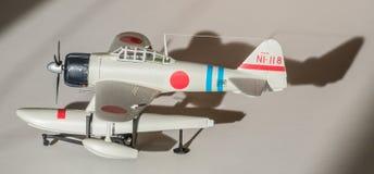 Församlad plast- modell för flygplan arkivbild
