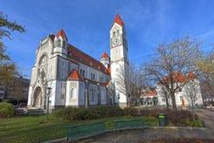 Församlingkyrka Hetzendorf (Rosenkranzkirche) Österrike vienna royaltyfria bilder