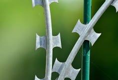 Försedd med en hulling och rakknivtråd för hög säkerhet Royaltyfria Foton