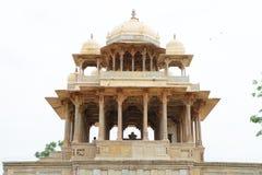 försedd med pelare bundi Indien för monument 84 Royaltyfri Fotografi