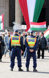 förser med polis hungraian män för dag rotation Royaltyfria Foton