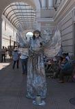 Försilvra gatakonstnären på den Merida gatafestivalen på söndag som är främst av passagen av revolutionen, Merida, Mexico Royaltyfria Foton
