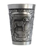 Försilvra koppen med en bild av en vädurzodiak Royaltyfri Bild