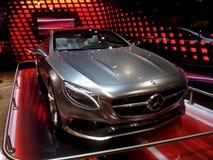 Försilvra Mercedes i Salone royaltyfria foton