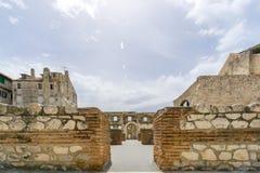 Försilvra porten i slotten för Diocletian ` s Royaltyfri Foto