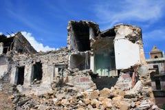 förstör jordskalvet royaltyfria foton