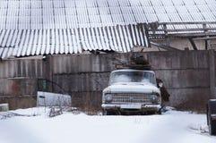 förstörd bil arkivfoto