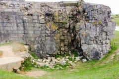 Förstörd bunker, Pointe du Hoc, Frankrike Royaltyfri Bild