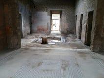 Förstörd byggnad i Pompeii Arkivfoton