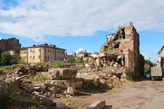 förstörd byggnad Vyborg stad Royaltyfri Bild
