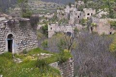 förstörd by för arabisk lifta Royaltyfri Foto