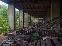 Förstörd fabrik Royaltyfri Bild