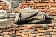 Förstörd forntida buddha staty på ayutthaya, Thailand Arkivbilder