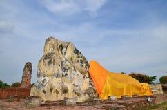 Förstörd gammal tempel av Ayuthaya, Thailand, Royaltyfri Bild