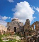 Förstörd kloster av Timios Stavros, Anogyra by i Cypros Arkivfoto