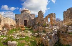 Förstörd kloster av Timios Stavros In Anogyra Village i Cypros Arkivfoto
