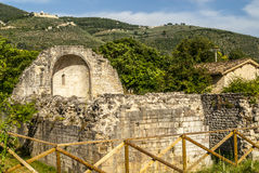 Fördärvar av kyrka i Umbria Fotografering för Bildbyråer