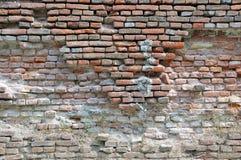 Förstörd tegelstenvägg Royaltyfri Bild