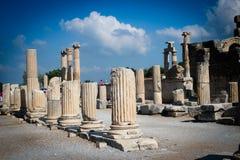 Förstörda marmorkolonner, Ephesus, Turkiet Arkivbild