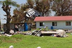 Förstörelse som orsakas av den tropiska cyklon Winston Arkivfoton