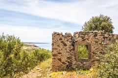 Förstört hus på Kreta Arkivfoton