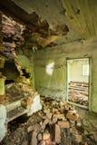 Förstört Oven Furnace In Destroyed Rural hus i kärn- förorening Fotografering för Bildbyråer