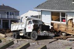 Förstört strandhus i efterdyningen av orkanen som är sandig i avlägsna Rockaway, New York Arkivfoto