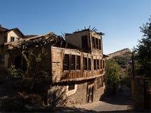 Förstört trähus Fotografering för Bildbyråer