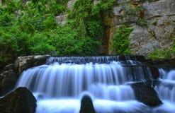 Första naturliga källa av vatten arkivbilder