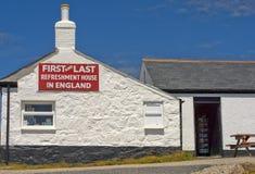 Första och sista uppfriskninghus, Cornwall, England Royaltyfria Foton