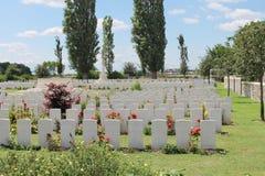Första Oosttaverne Wood CWGC för världskrig kyrkogård Belgien Arkivfoton