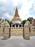 Första pagodtempel arkivbild