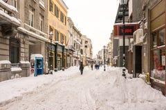 Första snö över i stadens centrum Bucharest Arkivfoton