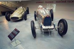 Första tävlings- bil för Bugatti typ 51 från 1931 ställningar i nationellt tekniskt museum Royaltyfri Fotografi