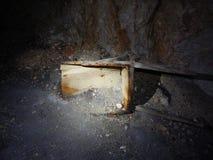 Första tunel för världskrig med is på tofana di dentro i dolomites Royaltyfria Foton