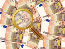 Förstoringsapparat på bakgrund för euro femtio Royaltyfria Foton