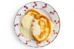 förtätat mjölka pannkakor arkivfoton