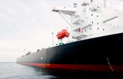 förtöjd frånlands- oljetankfartyg Arkivbilder