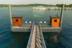 Förtöjd moorboat på sjön Maggiore på en solig dag Royaltyfria Foton