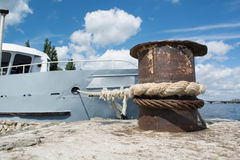 förtöjd ship Royaltyfri Fotografi