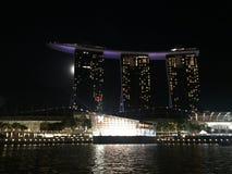 förtöjd sikt för nattportship arkivfoto