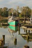 förtöjd steveston för fishboat hamn Arkivfoton