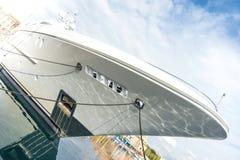 Förtöjd toppen yacht Royaltyfri Bild