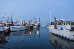förtöjt fiska för fartyg Arkivfoto