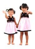 förtjusande asiatiska lyckliga ungar Arkivfoton