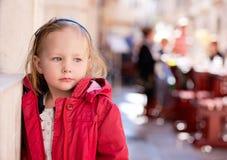 förtjusande flicka little Royaltyfria Bilder