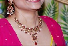förtjusande halsband royaltyfria bilder