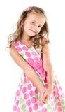 Förtjusande le liten flicka i den isolerade prinsessaklänningen Arkivbilder
